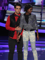 AMERICAN IDOL: Lazaro Arbos (L) is eliminated on AMERICAN IDOL Thursday, April 11 (8:00-9:00 PM ET/PT) on FOX. Also pictured: Amber Holcomb. CR: Ray Mickshaw / FOX. Copyright: FOX.