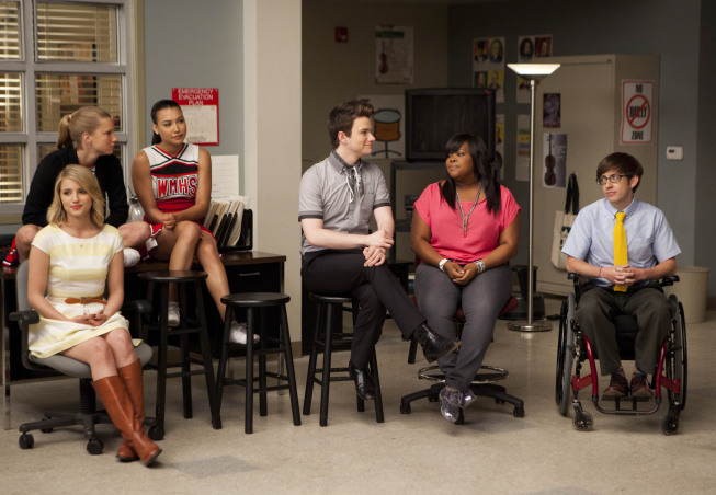 """GLEE: The glee club hang out in the choir room in the """"Goodbye"""" season finale episode of GLEE airing Tuesday, May 22 (9:00- 10:00 PM ET/PT) on FOX. Pictured L-R: Dianna Agron, Heather Morris, Naya Rivera, Chris Colfer, Amber Riley and Kevin McHale. ©2012 Fox Broadcasting Co. CR: Adam Rose/FOX"""
