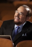 "GLEE: James Lipton guest-stars as himself in the ""Goodbye"" season finale episode of GLEE airing Tuesday, May 22 (9:00- 10:00 PM ET/PT) on FOX. ©2012 Fox Broadcasting Co. CR: Adam Rose/FOX"
