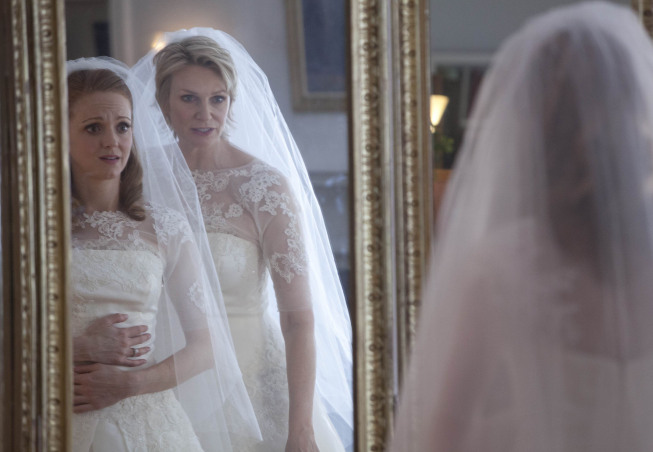 "GLEE: Sue (Jane Lynch, R) talks to Emma (Jayma Mays, L) on her wedding day in the ""I Do"" episode of GLEE airing Thursday, Feb. 14 (9:00-10:00 PM ET/PT) on FOX. ©2013 Fox Broadcasting Co. CR: Adam Rose/FOX"