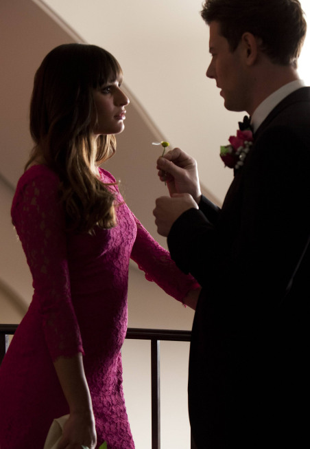"GLEE: Rachel (Lea Michele, L) and Finn (Cory Monteith, R) reunite at Emma and Will's wedding in the ""I Do"" episode of GLEE airing Thursday, Feb. 14 (9:00-10:00 PM ET/PT) on FOX. ©2013 Fox Broadcasting Co. CR: Adam Rose/FOX"