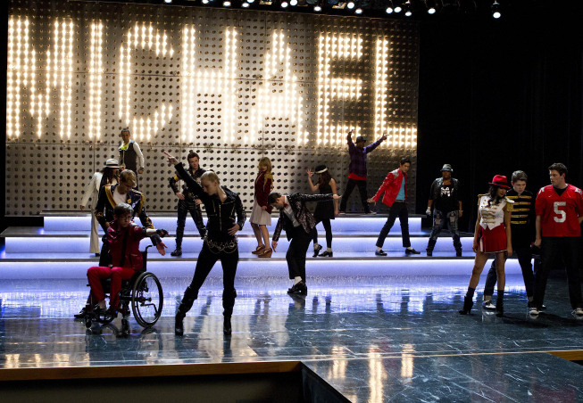 "GLEE: The glee club performs in  ""Michael,"" a special episode celebrating the music of Michael Jackson, on GLEE airing Tuesday, Jan. 31 (8:00-9:00 PM ET/PT) on FOX.  ©2012 Fox Broadcasting Co. CR: Justin Lubin/FOX"