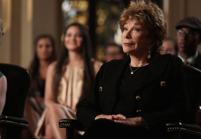"Glee Spoilers – Photos, Details from ""The Backup Plan"" feat Shirley MacLaine"