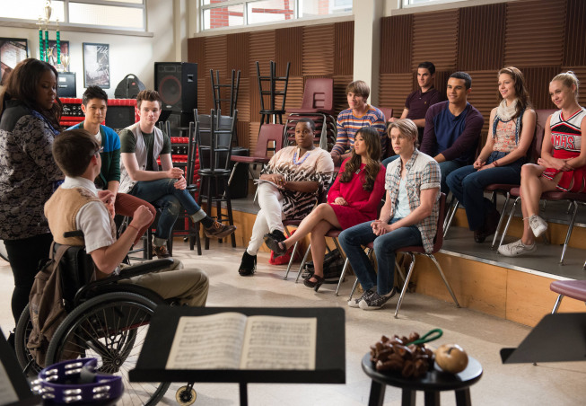 "GLEE: The glee club reunites in the ""Wonder'ful"" episode of GLEE airing Thursday, May 2 (9:00-10:00 PM ET/PT) on FOX. ©2013 Fox Broadcasting Co. CR: Adam Rose/FOX"