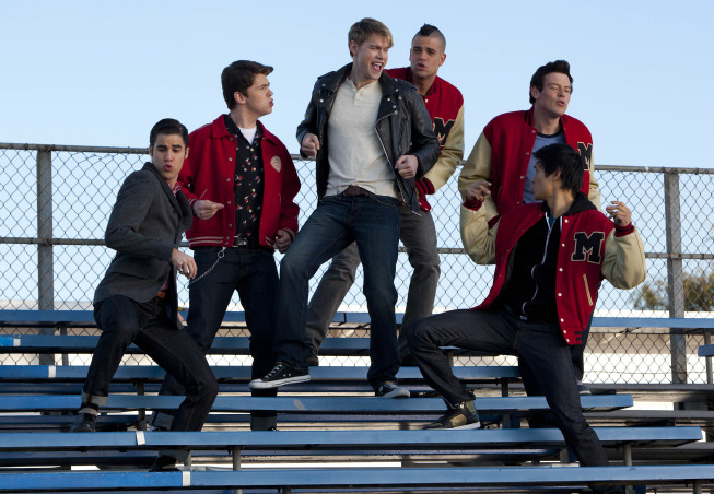 """GLEE: Sam (Chord Overstreet, C) performs with the guys in the """"Yes/No"""" winter premiere episode of GLEE, airing Tuesday, Jan. 17 (8:00-9:00 PM ET/PT) on FOX. Also pictured L-R: Darren Criss, Damian McGinty, Mark Salling, Cory Monteith and Harry Shum Jr. ©2011 Fox Broadcasting Co. Cr: Adam Rose/FOX"""