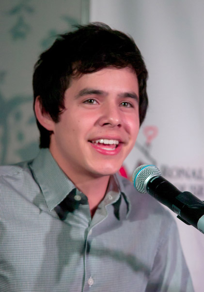 "NEW YORK, NY - NOVEMBER 08:  David Archuleta performs during the 2011 ""Make A Difference"" benefit concert at the Ronald McDonald House on November 8, 2011 in New York City.  (Photo by Steven A Henry/WireImage)"