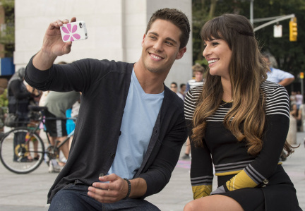 """GLEE: Rachel (Lea Michele, R) meets Brody (Dean Geyer, L) in New York in """"The New Rachel,"""" the Season Four premiere episode of GLEE airing on a new night and time Thursday, Sept. 13 (9:00-10:00 PM ET/PT) on FOX. ©2012 Fox Broadcasting Co. Cr: David Giesbrecht/FOX"""