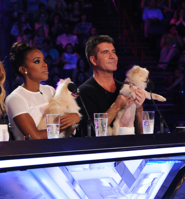 THE X FACTOR:  June 11, 2013: L-R:  Kelly Rowland and Simon Cowell judge contestants with a little help from their friends on the set of THE X FACTOR in New Orleans. THE X FACTOR airs this Fall on FOX. CR: Ray Mickshaw / FOX. © Copyright 2013 / FOX