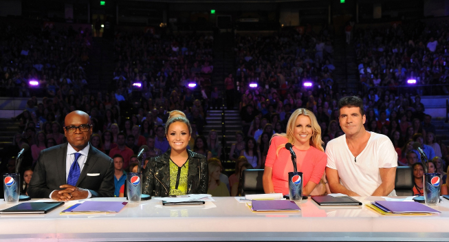 THE X FACTOR: L-R: L.A. Reid, Demi Lovato, Britney Spears and Simon Cowell on the set of THE X FACTOR airing on FOX. CR: Ray Mickshaw / FOX.