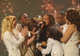 THE X FACTOR: Finale: Melanie Amaro is announed winner of THE X FACTOR Dec. 22 (8:00-10:00 PM ET/PT) on FOX. THE X FACTOR Finale airs Wed., Dec. 21 and Thurs., Dec. 22 on FOX. CR: Ray Mickshaw / FOX.