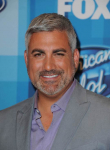 AMERICAN IDOL: Taylor Hicks arrives for the AMERICAN IDOL Finale airing Thursday, April 7 (8:00-10:06 PM ET Live/PT tape-delayed) on FOX. © 2016 FOX Broadcasting Co. Cr: Scott Kirkland/FOX