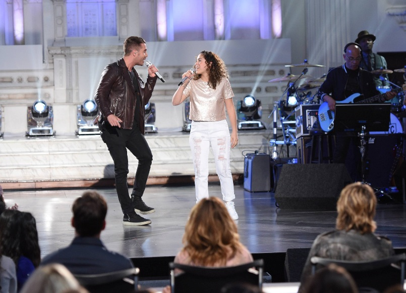 AMERICAN IDOL: Season 14 winner Nick Fradiani with contestant Gianna Isabella in the†???Showcase #1: 1st 12 Performances??? episode of AMERICAN IDOL airing Wednesday, Feb. 10 (8:00-9:01 PM ET/PT) on FOX. Cr: Michael Becker / FOX. © 2016 FOX Broadcasting Co.