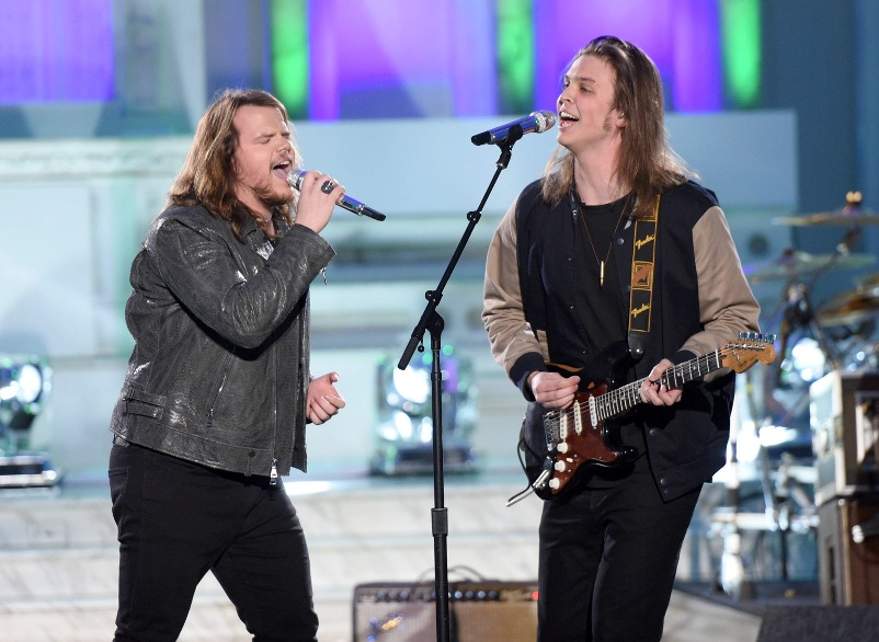 AMERICAN IDOL: Season 13 winner Caleb Johnson with contestant James VIII in the†???Showcase #1: 1st 12 Performances??? episode of AMERICAN IDOL airing Wednesday, Feb. 10 (8:00-9:01 PM ET/PT) on FOX. Cr: Michael Becker / FOX. © 2016 FOX Broadcasting Co.