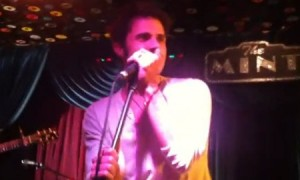 Kris Allen Introduces New Songs at The Mint (VIDEO)