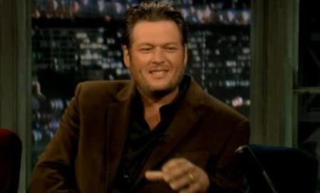 Blake Shelton Cheers Its Christmas.Blake Shelton Visits Late Night With Jimmy Fallon Video