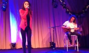 Jessica Sanchez, Deandre Brackensick – Have Yourself a Merry Little Christmas (VIDEO)