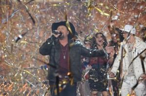 Tate Stevens Takes Phillip Phillips' Place on FOX New Years Live!