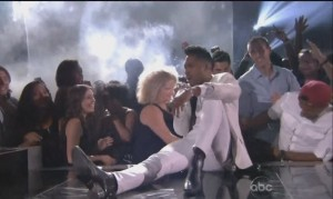 Miguel Injures Fan as he Misses a Jump at the Billboard Music Awards (VIDEO)