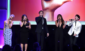 Lea Michele, Darren Criss & Glee Cast – Family Equality Awards (VIDEO)