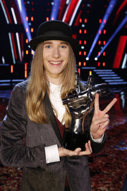 "THE VOICE -- ""Live Finals"" Episode 818B -- Pictured: Sawyer Fredericks -- (Photo by: Trae Patton/NBC)"