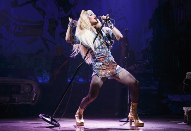 darrencriss-hedwig-2