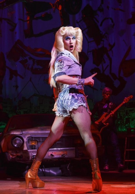 darrencriss-hedwig-3