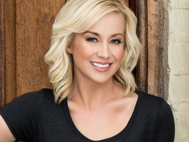 Kellie Pickler co-hosts KNOCK KNOCK LIVE, a can't-miss, life-changing weekly television event packed with unpredictable and thrilling surprises that enlists friends, families, neighbors and celebrities to help grant wishes with one simple knock on the door. KNOCK KNOCK LIVE premieres Tuesday, July 21 (9:00-10:00 PM ET live/PT tape-delayed) on FOX. CR: FOX