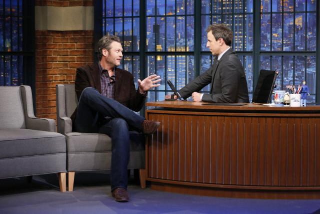 LATE NIGHT WITH SETH MEYERS -- Episode 278 -- Pictured: (l-r) The Voice coach, Blake Shelton, during an interview with host Seth Meyers on October 27, 2015 -- (Photo by: Lloyd Bishop/NBC)