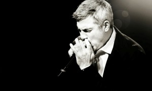 Headlines: Taylor Hicks Theme Song, David Cook Songwriting Update