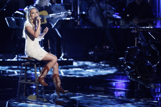 """THE VOICE -- """"Live Playoffs"""" Episode 913B -- Pictured: Emily Ann Roberts -- (Photo by: Tyler Golden/NBC)"""