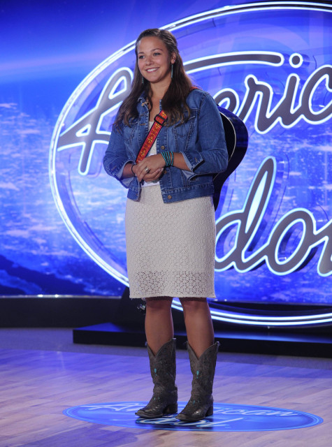 AMERICAN IDOL: Emily Wears performs in front of the Judges on AMERICAN IDOL airing Thursday, Jan. 14 (8:00-10:00 PM ET/PT) on FOX. © 2016 Fox Broadcasting Co. CR: Ray Mickshaw / FOX.