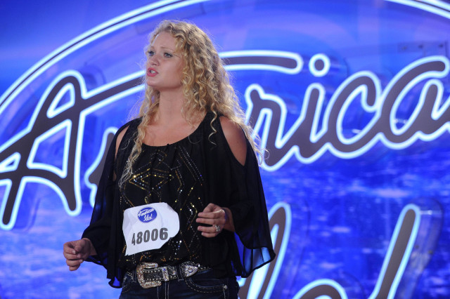 AMERICAN IDOL: Mary Williams performs in front of the Judges on AMERICAN IDOL airing Thursday, Jan. 14 (8:00-10:00 PM ET/PT) on FOX. © 2016 Fox Broadcasting Co. CR: Ray Mickshaw / FOX.