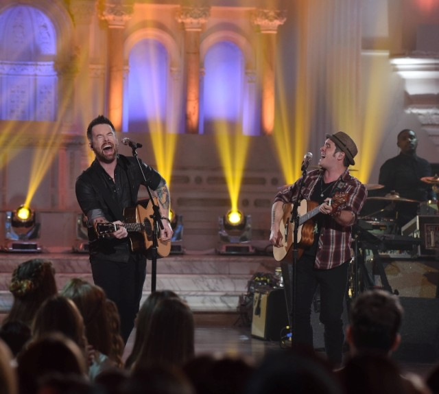 "AMERICAN IDOL: L-R: David Cook with contestant CJ Johnson in the ""Showcase #4: Judges Vote"" episode of AMERICAN IDOL airing Thursday, Feb. 18 (8:00-10:00 PM ET/PT) on FOX. © 2016 FOX Broadcasting Co. Cr: Ray Mickshaw / FOX."