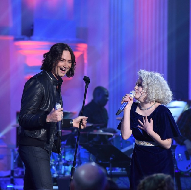 """AMERICAN IDOL: L-R: Constantine Maroulis with contestant Jenn Blosil in the """"Showcase #4: Judges Vote"""" episode of AMERICAN IDOL airing Thursday, Feb. 18 (8:00-10:00 PM ET/PT) on FOX. © 2016 FOX Broadcasting Co. Cr: Ray Mickshaw / FOX."""