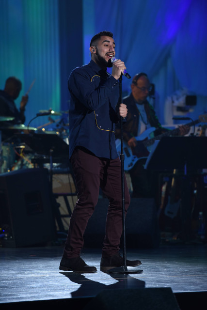 """AMERICAN IDOL: Contestant Manny Torres in the """"Showcase #3: 2nd 12 Performances"""" episode of AMERICAN IDOL airing Wednesday, Feb. 17 (8:00-9:01 PM ET/PT) on FOX. © 2016 FOX Broadcasting Co. Cr: Ray Mickshaw / FOX."""