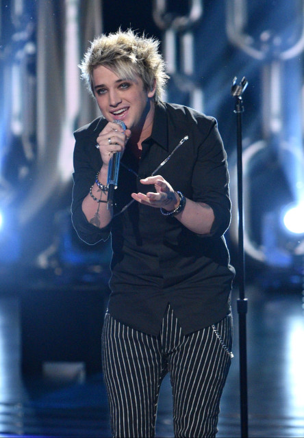 AMERICAN IDOL: Top 3: Contestant Dalton Rapattoni performs on AMERICAN IDOL airing Thursday, March 31 (8:00-10:00 PM ET/PT) on FOX. © 2016 FOX Broadcasting Co. Cr: Michael Becker/ FOX. This image is embargoed until Thursday, March 31,10:00PM PT / 1:00AM ET