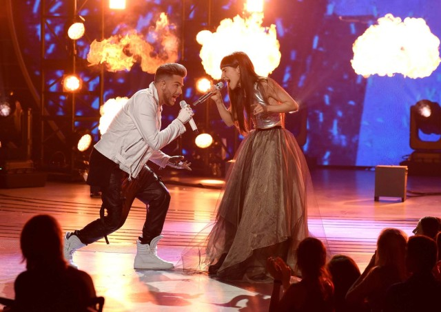 AMERICAN IDOL: Top 5: L-R: Singers Adam Lambert and Laleh perform on AMERICAN IDOL airing Thursday, March 17 (8:00-10:00 PM ET/PT) on FOX. © 2016 FOX Broadcasting Co. Cr: Ray Mickshaw/ FOX. This image is embargoed until Thursday, March 17,10:00PM PT / 1:00AM ET