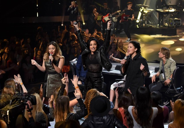 AMERICAN IDOL: Demi Lovato performs with the top 10 contestants on AMERICAN IDOL airing Thursday, March 3 (8:00-10:00 PM ET/PT) on FOX. © 2016 FOX Broadcasting Co. Cr: Ray Mickshaw/ FOX. This image is embargoed until Thursday, March 3,10:00PM PT / 1:00AM ET