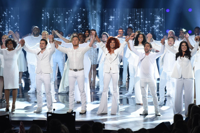 AMERICAN IDOL: American Idols open the AMERICAN IDOL Finale airing Thursday, April 7 (8:00-10:06 PM ET Live/PT tape-delayed) on FOX. © 2016 FOX Broadcasting Co. Cr: Ray Mickshaw/FOX