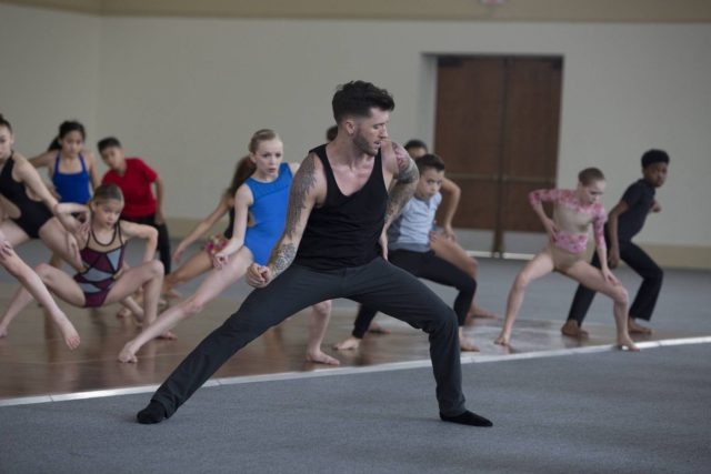 SO YOU THINK YOU CAN DANCE: Coreographer Travis Wall (C) with contestants during Academy week on SO YOU THINK YOU CAN DANCE: THE NEXT GENERATION airing Monday, June 27 (8:00-9:00 PM ET/PT) on FOX. ©2016 Fox Broadcasting Co. CR: Adam Rose/FOX