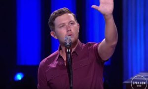 """Scotty McCreery Debuts """"5 More Minutes"""" at the Opry (VIDEO)"""
