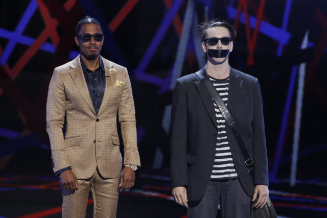 """AMERICA'S GOT TALENT -- """"Live Show 1"""" Episode: 1112 -- Pictured: (l-r) Nick Cannon, Tape Face -- (Photo by: Trae Patton/NBC)"""