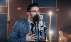 Watch Danny Gokey Perform New Spanish Track (VIDEO)
