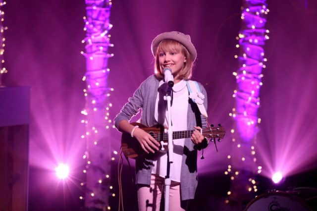 THE TONIGHT SHOW STARRING JIMMY FALLON -- Episode 0540 -- Pictured: Musical guest Grace VanderWaal performs on September 23, 2016 -- (Photo by: Andrew Lipovsky/NBC)
