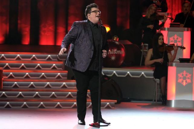 The Voice Jordan Smith - CMA Country Christmas 2016