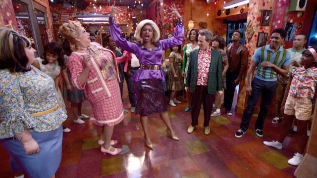HAIRSPRAY LIVE! -- Pictured: (l-r) Maddie Baillio as Tracy Turnblad, Harvey Fierstein as Edna Turnblad, Jennifer Hudson as Motormouth Maybelle, Martin Short as Wilbur Turnblad, Ephraim Sykes as Seaweed J. Stubbs, Shahadi Wright Joseph as Little Inez -- (Photo by: NBC)