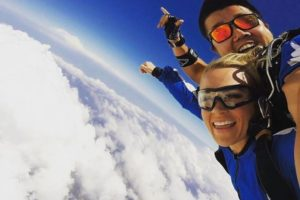 Carrie Underwood Goes Skydiving in Sydney (PHOTOS)