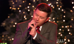 "American Idol's Scotty McCreery ""Santa Clause is Back in Town"" (VIDEO)"