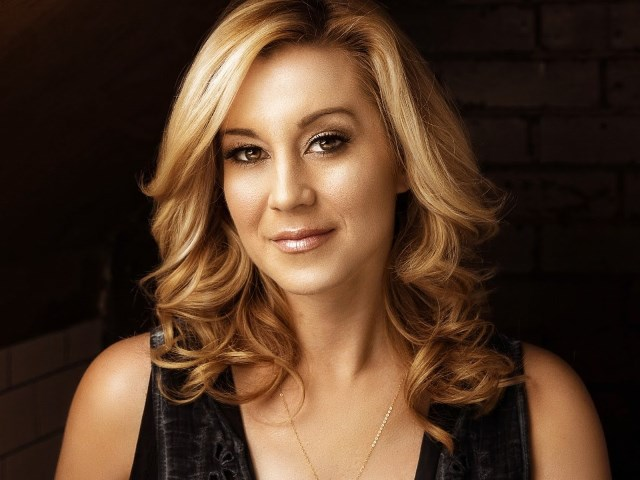 Joining the all-star line-up for the 37th annual edition of PBS' A CAPITOL FOURTH, broadcast live from the West Lawn of the U.S. Capitol, is acclaimed country music singer and songwriter Kellie Pickler. A CAPITOL FOURTH airs on PBS Tuesday, July 4, 2017 from 8:00 to 9:30 p.m. ET (PRNewsfoto/Capital Concerts)