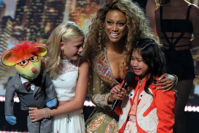 "AMERICA'S GOT TALENT -- ""Live Results 1"" Episode 1214 -- Pictured: (l-r) Darci Lynne, Tyra Banks, Angelica Hale -- (Photo by: Justin Lubin/NBC)"